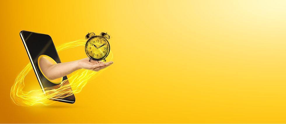 hand-holding-alarm-clock-through-smartph