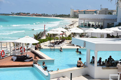 cancun-beachfront-condo-rentals-with-beachside-pool