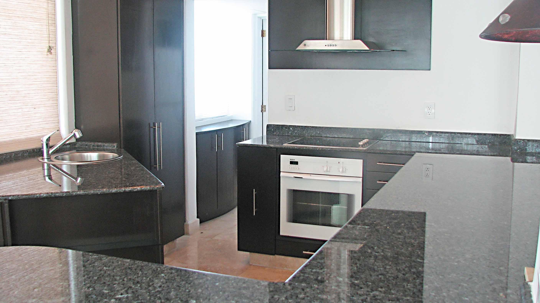 371 - Kitchen-3