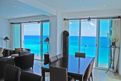 371 - Dining & living room