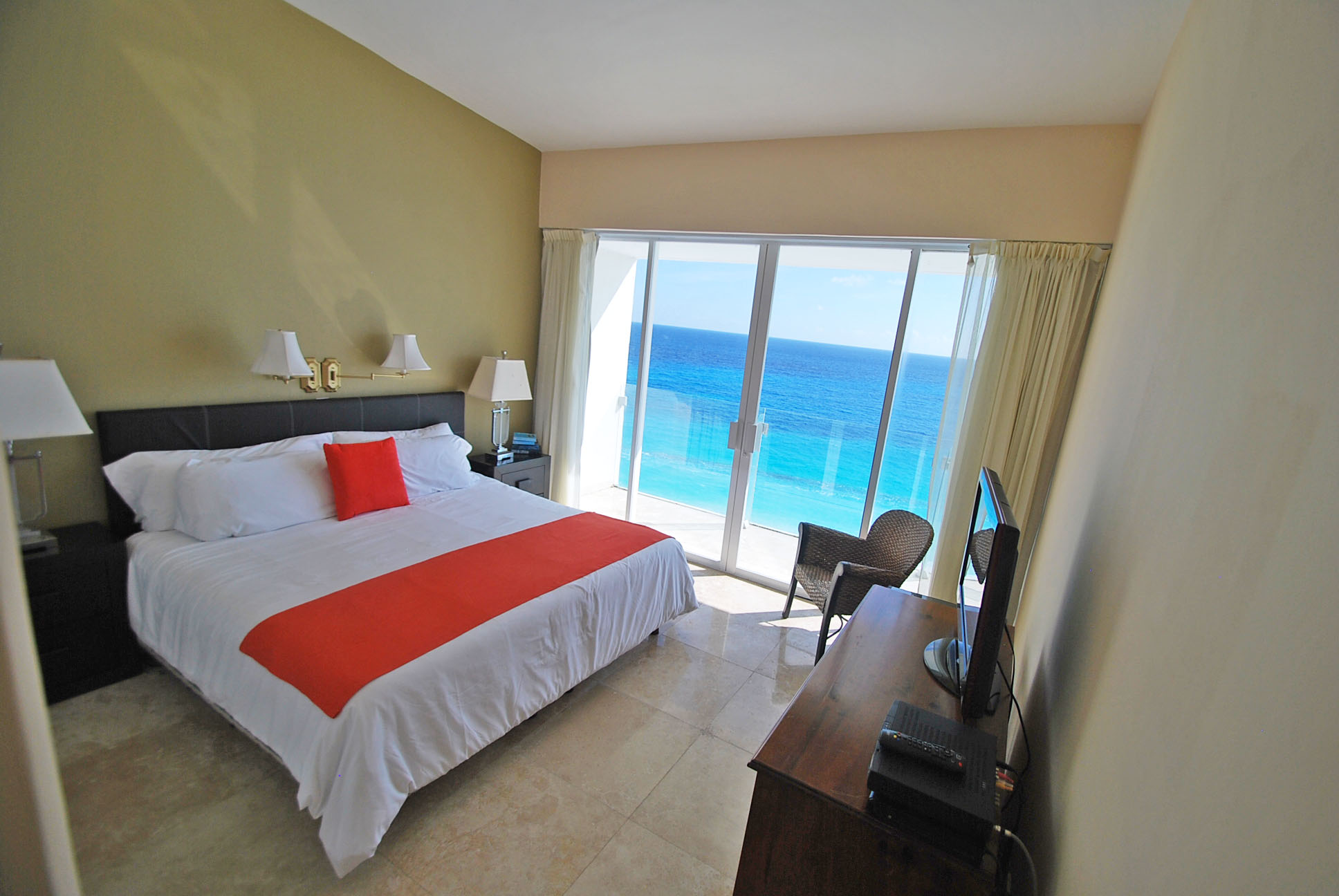 371 - Bedroom 2-2