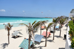 cancun-beachfront-resort-with-condo-rentals