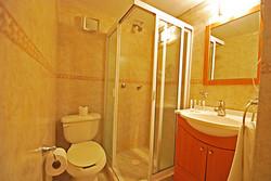 371 - Bathroom 3