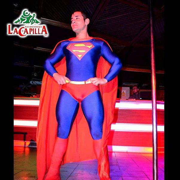 DOBLE OFICIAL SUPERMAN