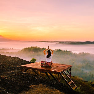 holistic body mountain sunrise pexels.jp