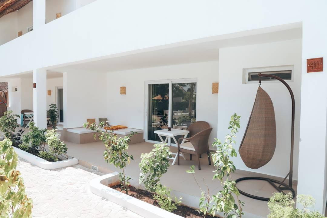 dhowinn-terrace02.jpg