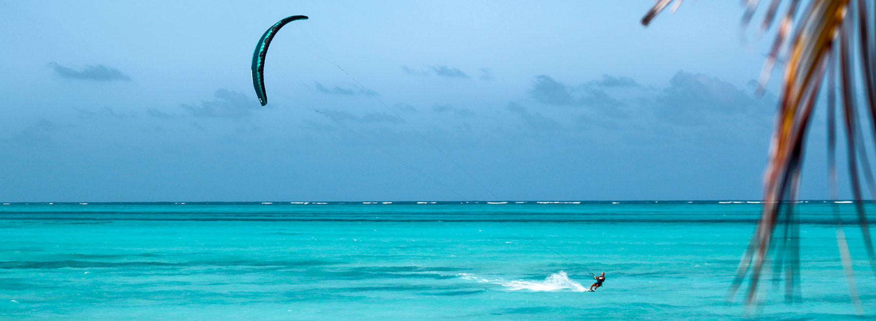 Kitesurfing-Zanzibar-FlySurfer.jpg