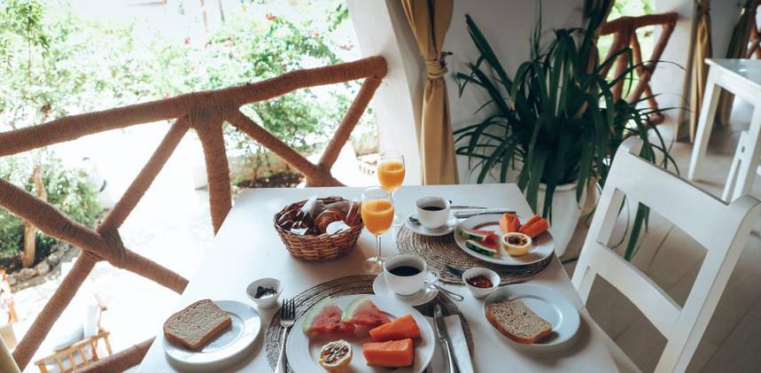 dhowinn-breakfast01.jpg