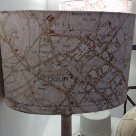 Lampe carte topographique ©IGN-NGI Dour