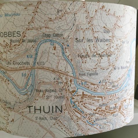 Lampe carte topographique ©IGN-NGI Thuin