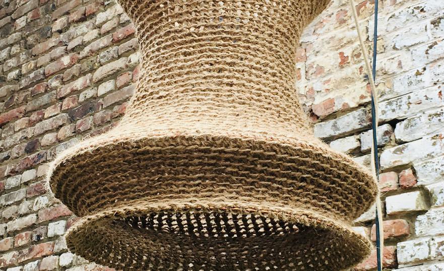 Lanterne crochetée en corde : 120€