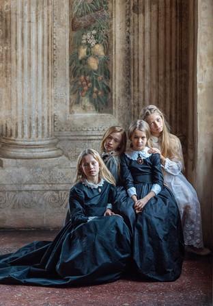 Girls from Villa Emo