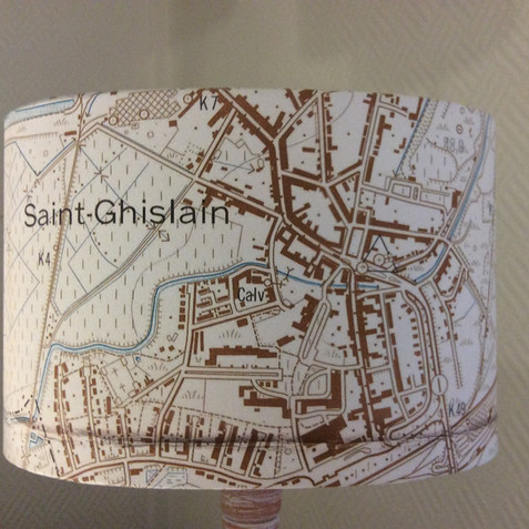 Lampe carte topographique ©IGN-NGI Saint-Ghislain