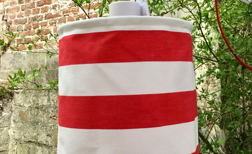 Lanterne rouge et blanc : 80€