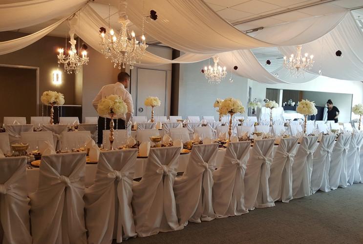 white wedding rushmore hotel