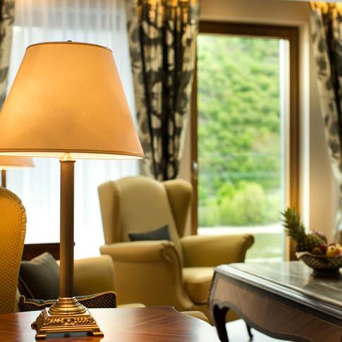 Residence-Bellevue-Bopaprd-Tischlampe.jpg