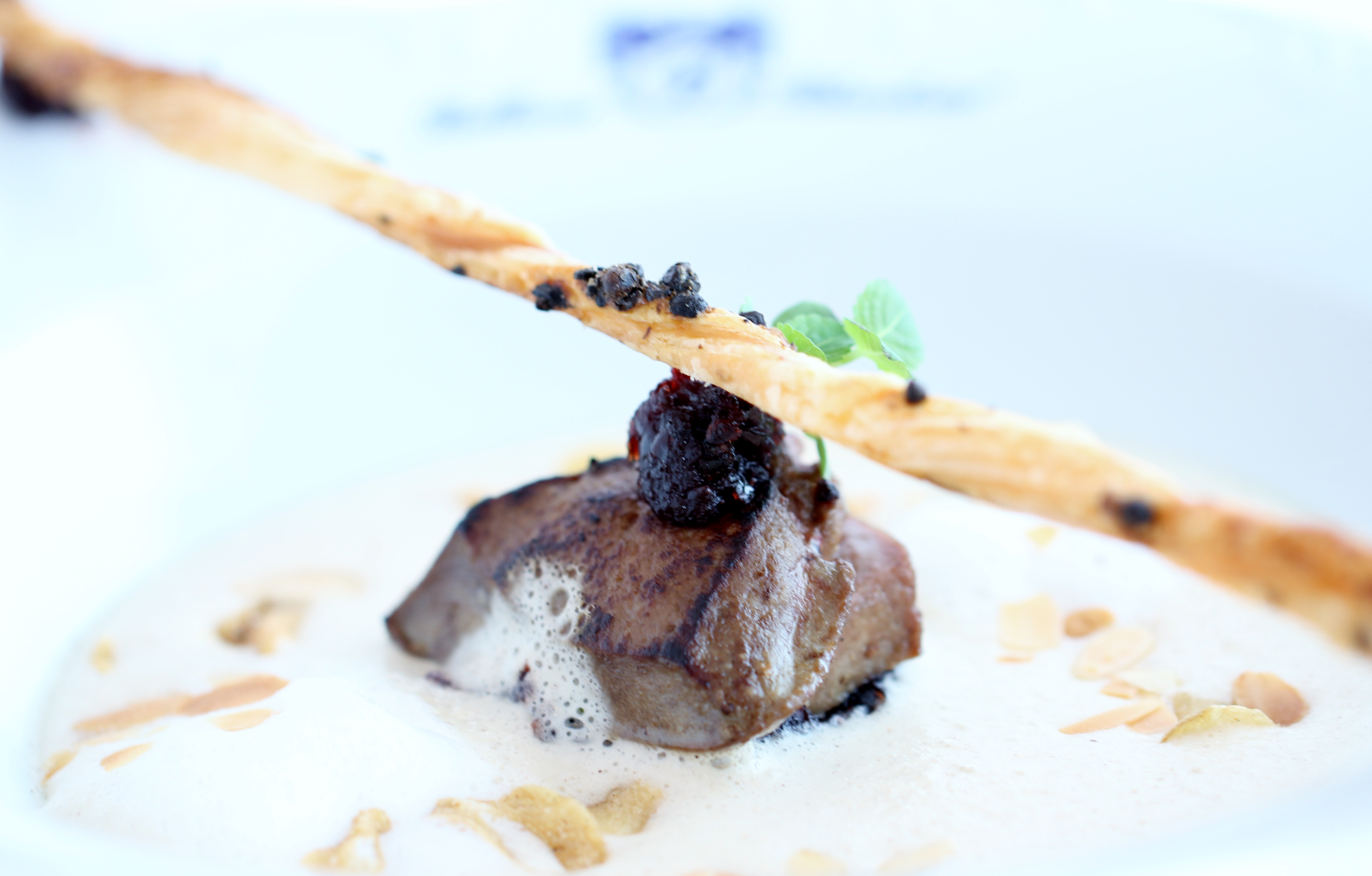 Bellevue Rheinhotel_Gourmetrestaurant_Mandel und Knoblauch