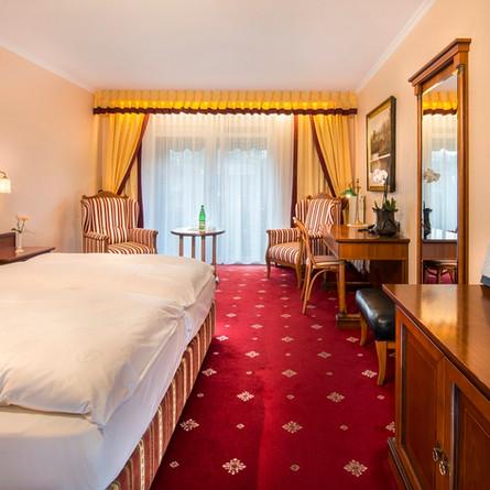 Bellevue-Rheinhotel-Boppard-Grand-Deluxe-Zimmer.jpg