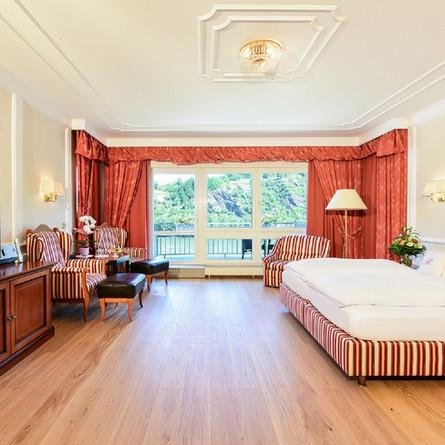Bellevue-Rheinhotel-Rheingoldsuite.jpg