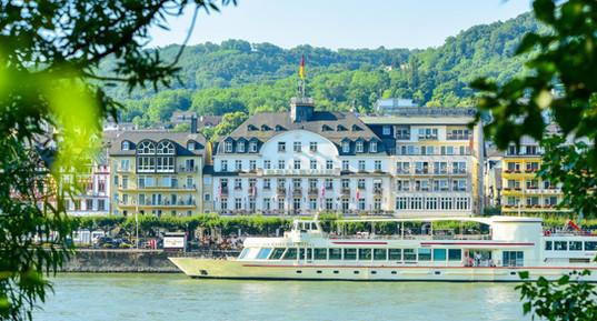 Bellevue-Rheinhotel-Frontansicht-2015.JPG