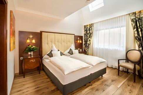 Residence-Bellevue-Boppard-Schlafzimmer.jpg