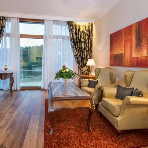 Residence-Bellevue-Boppard-Blick-Richtung-Balkon.jpg