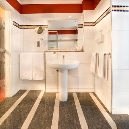 Bellevue-Rheinhotel-Boppard-Badezimmer-1.jpg