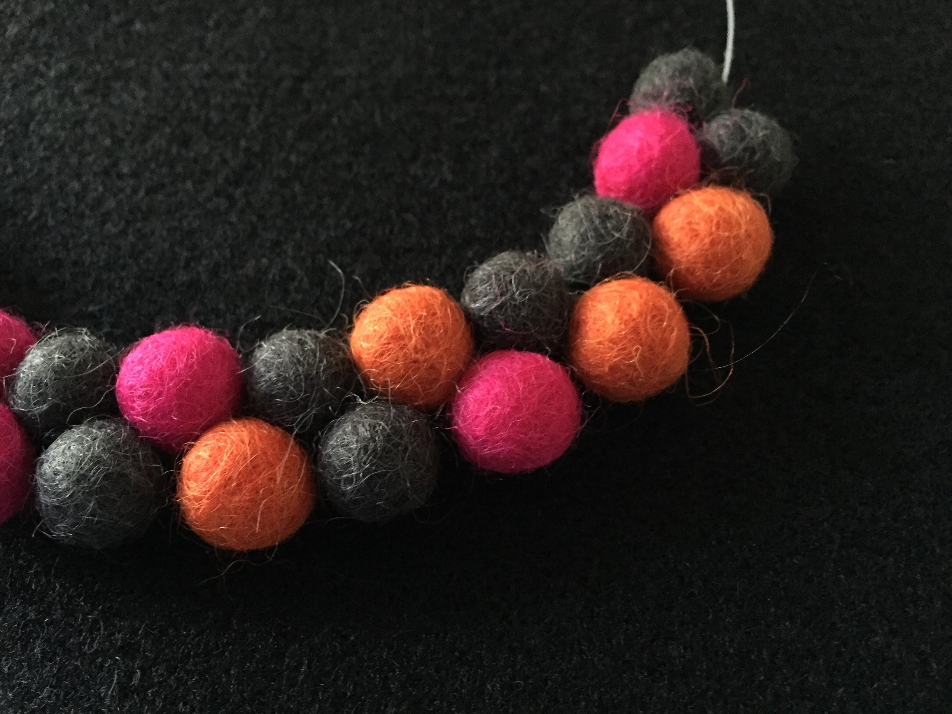 Atom_orange_detail
