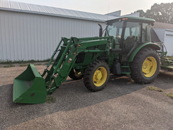 tractor w loader