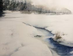Le ruisseau dans la neige