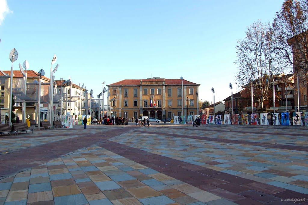 Piazza mercato Nichelino (TO)