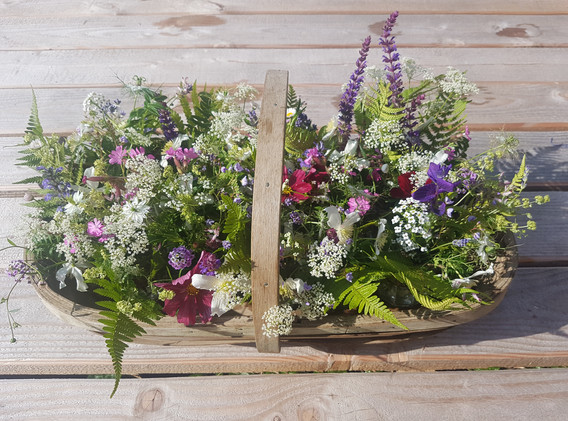 Basket of table decorations