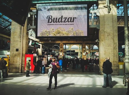Des publicités promouvant un site de cbd ont été retirées des gares.