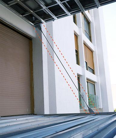 תליית מרפסות פלדה, בטיחות מרפסות, מוט תלייה אלכסוני, מרפסות קונזוליות, יציבות, קיילין את שניטמן, הרחבת מרפסות.