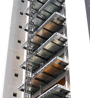 תוספת מרפסות, מרפסות תלויות, תהליך מצולם של תוספת מרפסות, הרחבת מרפסות, השלמת מרפסות, בטיחות