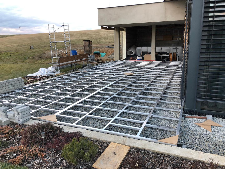 Příprava podkonstrukce terasy