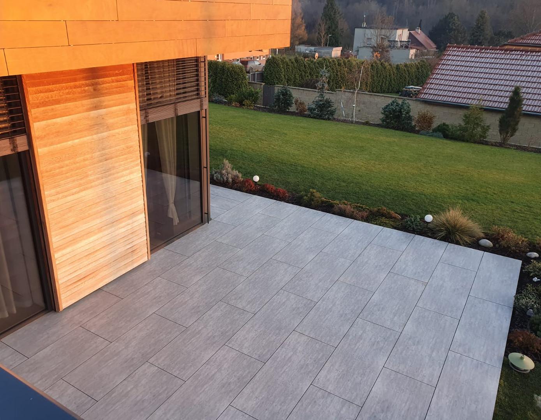 Terrace and ventilated facade - Terrace, HPL from an Indian manufacturer; Facade cladding - Parklex