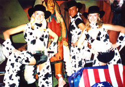 dancing cowgirls