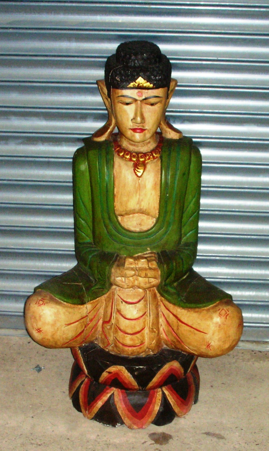 sitting budha