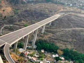 """Se compromete Sergio Estrada Cajigal a gestionar conclusión del puente """"sin fin"""""""
