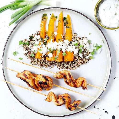 Poulet épicé (non piquant), quinoa aux jeunes carottes et feta