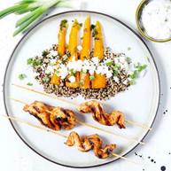 Brochette_de_poulet_épicée,_quinoa_a