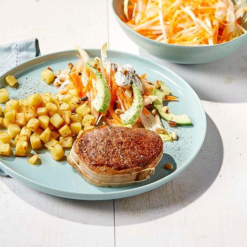 Tournedos, salade d'hiver et pommes de terre rissolées
