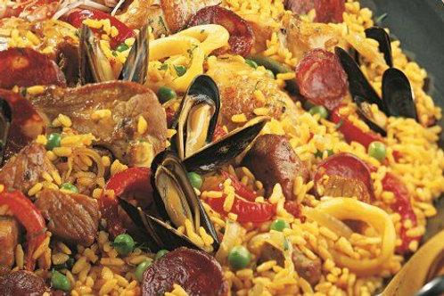 """Paella mixte (Poulet, chorizo, scampi & calamar) """"spécialité maison"""""""