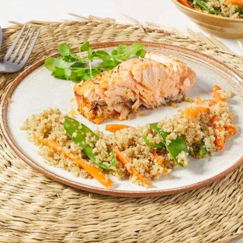 Pavé de saumon, quinoa aux carottes et mange tout