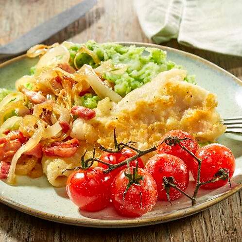 Merlan bleu poêlé, tomates cerises et purée de brocoli aux lardons