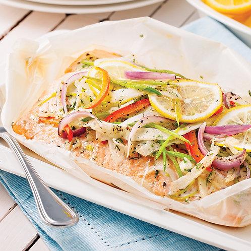 Papillote de saumon aux légumes de saison et pommes de terre persillées