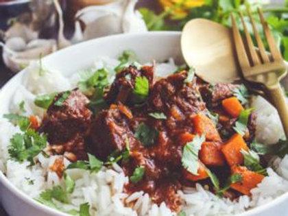 Sauté de veau au curry rouge, riz sauvage aux légumes et carottes glacées