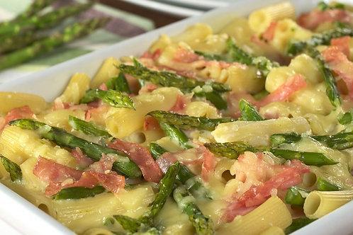 Gratin de rigatonis aux jambons grillés et à l'asperge verte