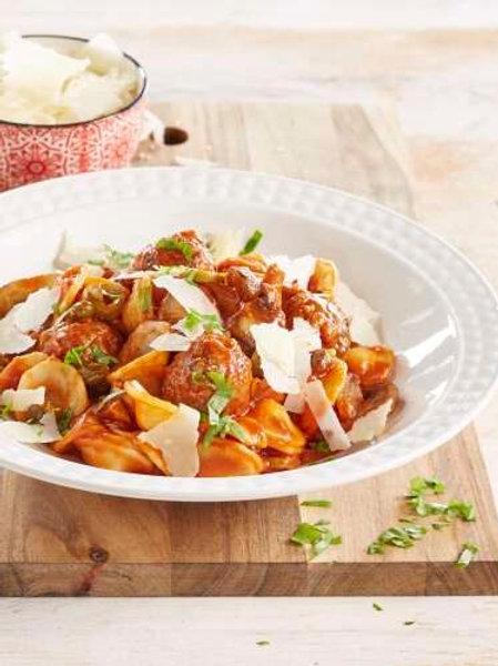 Orecchiettes et boulettes sauce tomate aux champignons